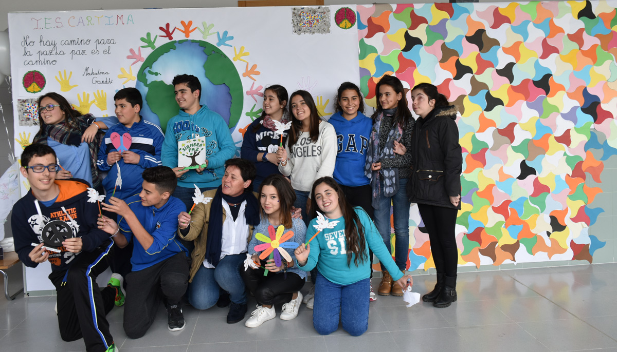 alumnado_2C_mural_dia_paz